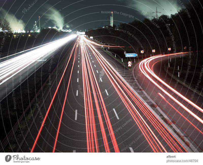 A555 bei Nacht Stadt Ferne dunkel Straße Freiheit Arbeit & Erwerbstätigkeit Deutschland Verkehr Europa Streifen fahren Industriefotografie Rauch Verkehrswege