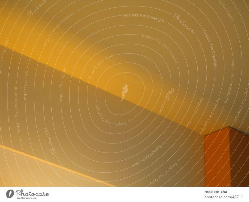 dECKE Hintergrundbild gelb Ecke Fluchtpunkt diagonal Physik Licht wallpaper orange Decke Perspektive Linie modern Beleuchtung Wärme edge lines corner light