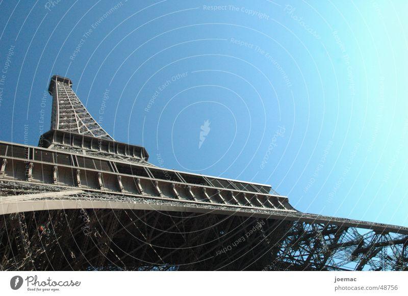 la tour eiffel Himmel groß Turm Paris Stahl Denkmal Frankreich Tour d'Eiffel Hochbau