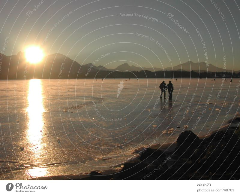 Hopfensee Winter See Mensch Allgäu Sonnenuntergang kalt Eis hopfensee Berge u. Gebirge