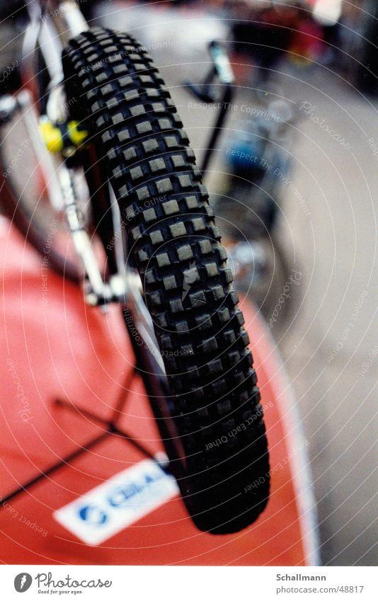 Monty-Trial-Bike Fahrrad Rad Fahrradbremse Silhouette Mantel Felge Sport Nahaufnahme Profil