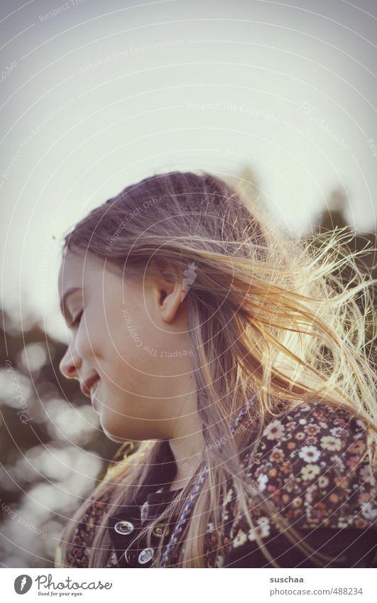 lächeln mit grübchen Mensch Kind Mädchen Freude Gesicht feminin Haare & Frisuren Glück Kopf Haut Kindheit Lächeln Schönes Wetter Mund Fröhlichkeit Nase