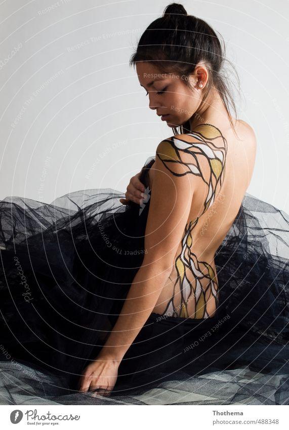 bemalt und verhüllt Mensch feminin Junge Frau Jugendliche 1 18-30 Jahre Erwachsene Bodaypainting schwarzhaarig ästhetisch außergewöhnlich Kunst Farbfoto