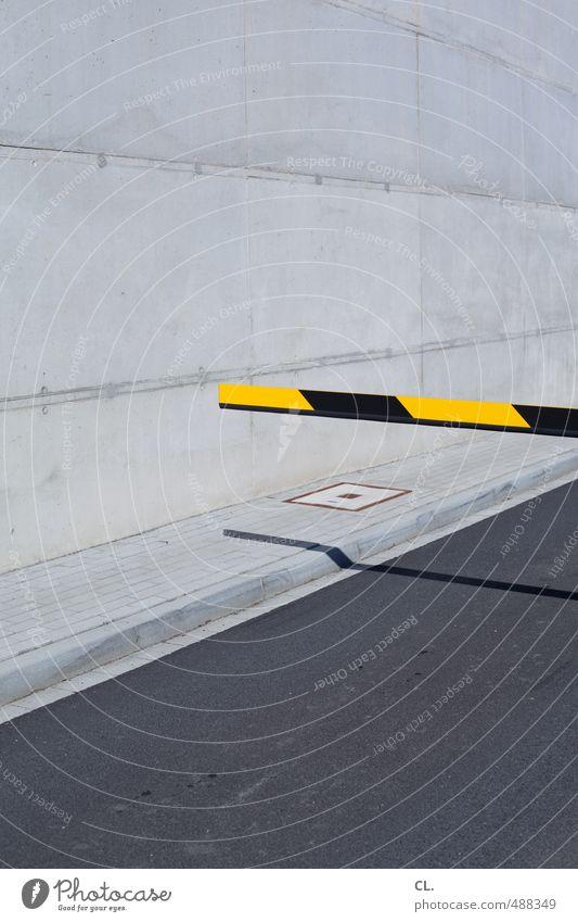mauer | - Menschenleer Industrieanlage Parkhaus Architektur Mauer Wand Fassade Verkehr Verkehrswege Straßenverkehr Autofahren Wege & Pfade warten gelb grau
