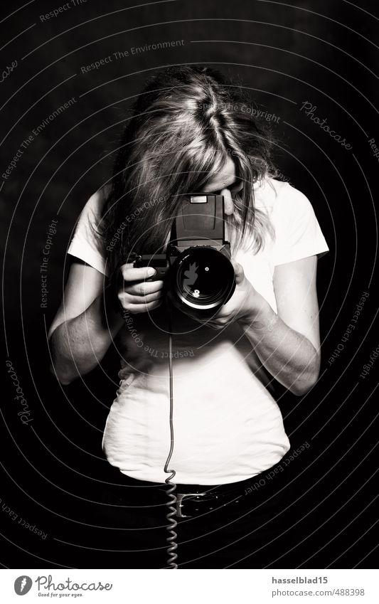 EIN.AUGE Lifestyle Reichtum Stil Freude Schule Berufsausbildung Azubi Praktikum lernen Labor Fotograf Arbeitsplatz Dienstleistungsgewerbe Medienbranche
