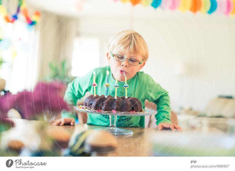 365 x 4 Mensch Kind Gesicht Junge Glück Essen Feste & Feiern hell Party Kindheit Geburtstag Dekoration & Verzierung Fröhlichkeit Tisch Lebensfreude Kerze