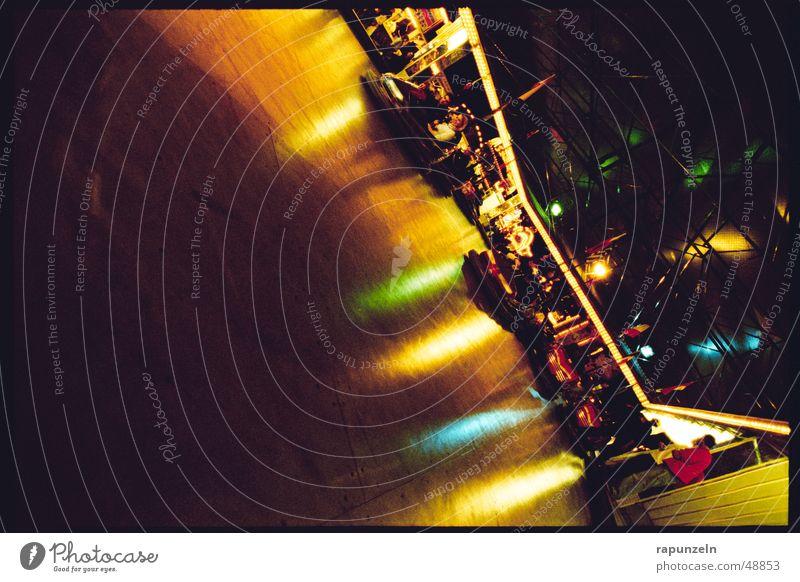 carmageddon Jahrmarkt Fahrgeschäfte Attraktion Vergnügungspark Auto-Skooter mehrfarbig Spiegel Reflexion & Spiegelung rummer Freiburg im Breisgau Freude