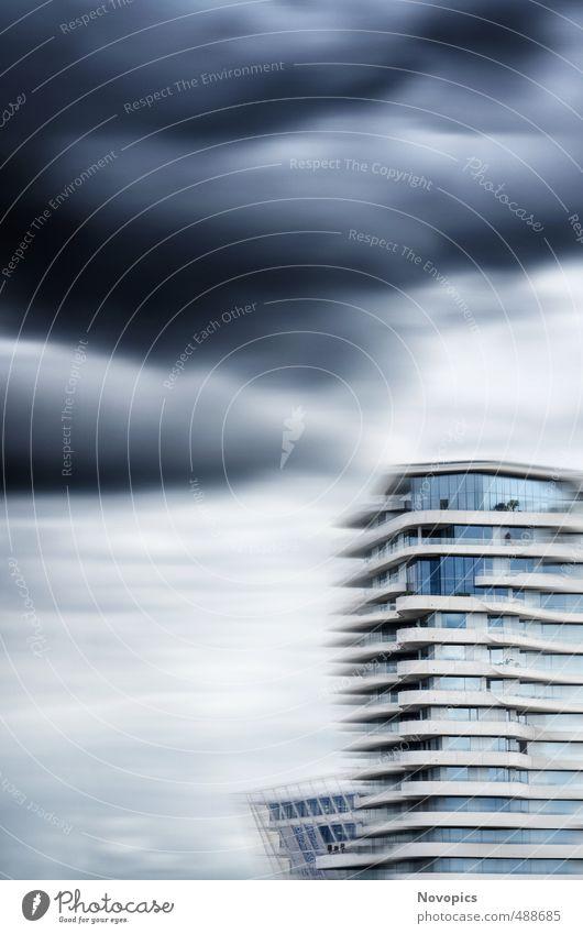 Unilever-House II Haus Himmel Wolken Gewitterwolken Sommer schlechtes Wetter Unwetter Hafenstadt Hochhaus Gebäude Architektur Terrasse Tower (Luftfahrt) blau