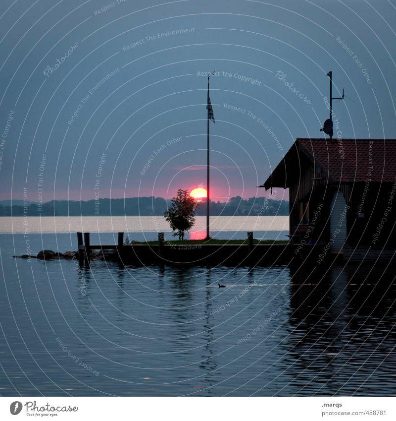 Zum Abend Ausflug Natur Landschaft Urelemente Wasser Himmel Horizont Sonne Sonnenaufgang Sonnenuntergang Sommer Schönes Wetter See Chiemsee Steg Bootshaus
