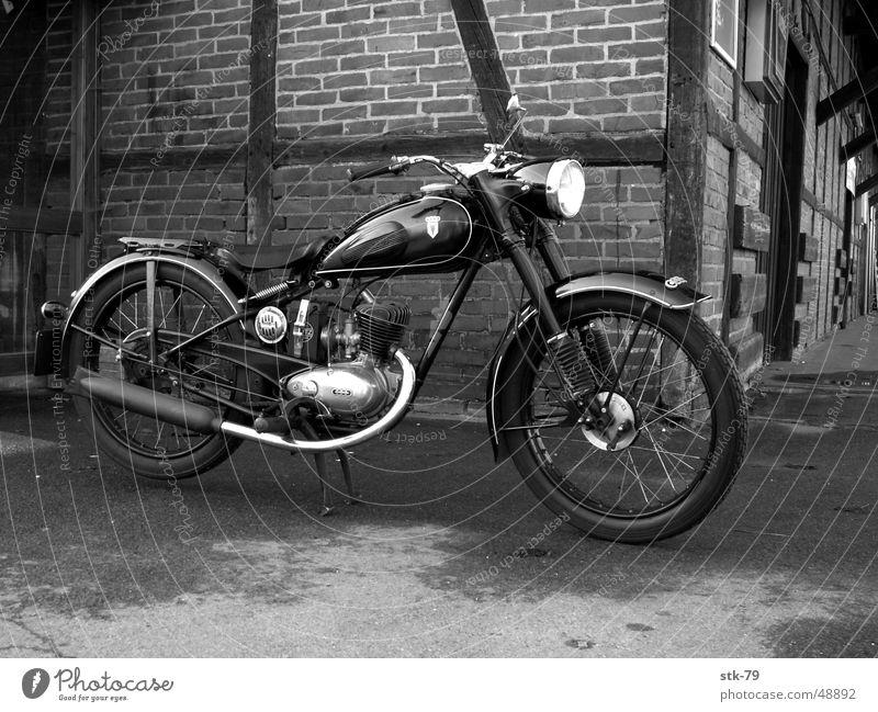 Altes Motorrad Kleinmotorrad alt motorcycle old