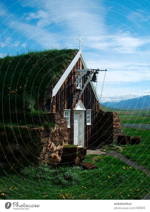 hier wohnt gott Gras Religion & Glaube Island Museum Glocke Torf Treibholz Akureyri