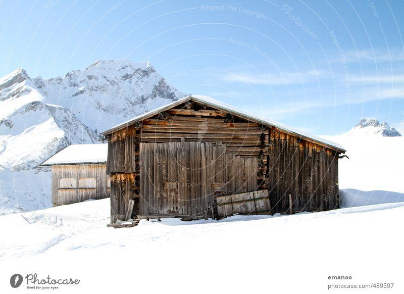 Skihütte gebucht Himmel Natur Ferien & Urlaub & Reisen alt blau weiß Landschaft Haus Winter Berge u. Gebirge kalt Schnee Gebäude Holz hell Tourismus
