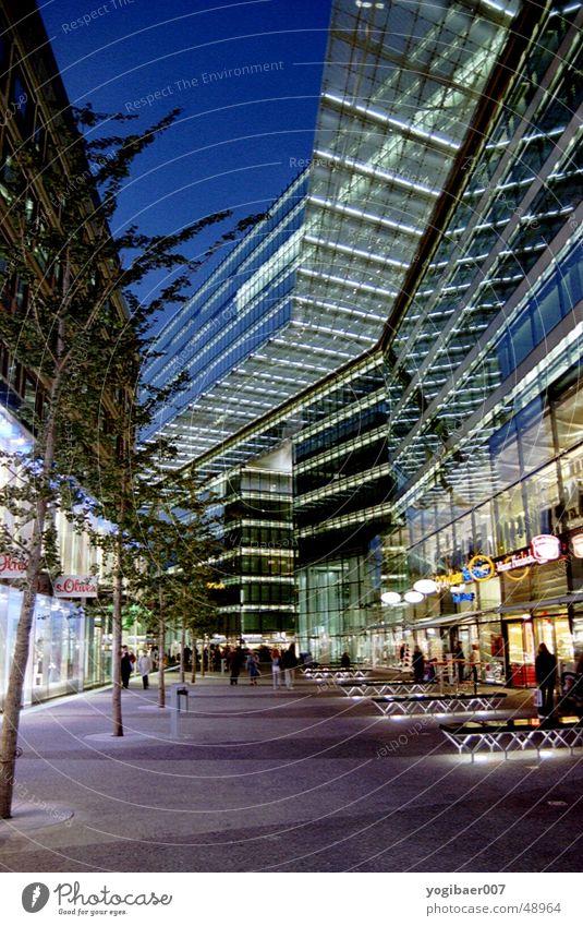Galerie Kranzler Berlin Glas Abenddämmerung Empore
