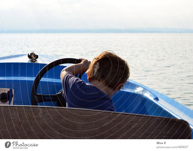 Am Steuer Mensch Kind Ferien & Urlaub & Reisen Meer Wolken Junge Freiheit Schwimmen & Baden Freizeit & Hobby Wellen Kindheit Ausflug Abenteuer fahren