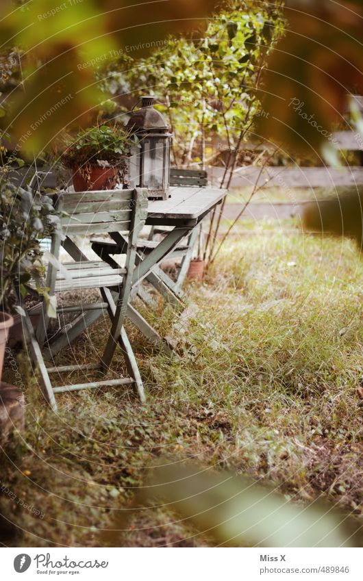 Gartenidylle Erholung ruhig Wohnung Dekoration & Verzierung Dorf Stimmung Idylle Gartenstuhl Gartenfest Laterne Gartenmöbel heimelig gemütlich Landhaus