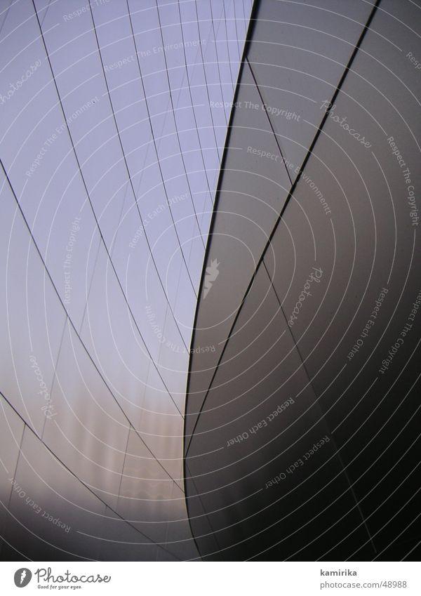 gehrysconcerthall_02 glänzend abstrakt skulptural Vorhang Walt Disney Los Angeles Spiegel Aluminium Blech Stahl silber Lichterscheinung Sonne Spitze