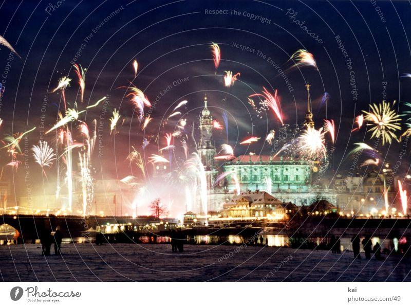 Sylvester2001 Party Silvester u. Neujahr Nachthimmel Dresden Feuerwerk Elbe Veranstaltung Feste & Feiern Spektakel Mitternacht Elbufer