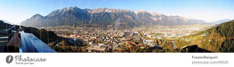 Innsbruck Nordpanorama Himmel Hand Stadt Berge u. Gebirge Architektur Metall groß modern Finger Dach Autobahn zeigen Panorama (Bildformat) Bahnhof Norden Bundesland Tirol