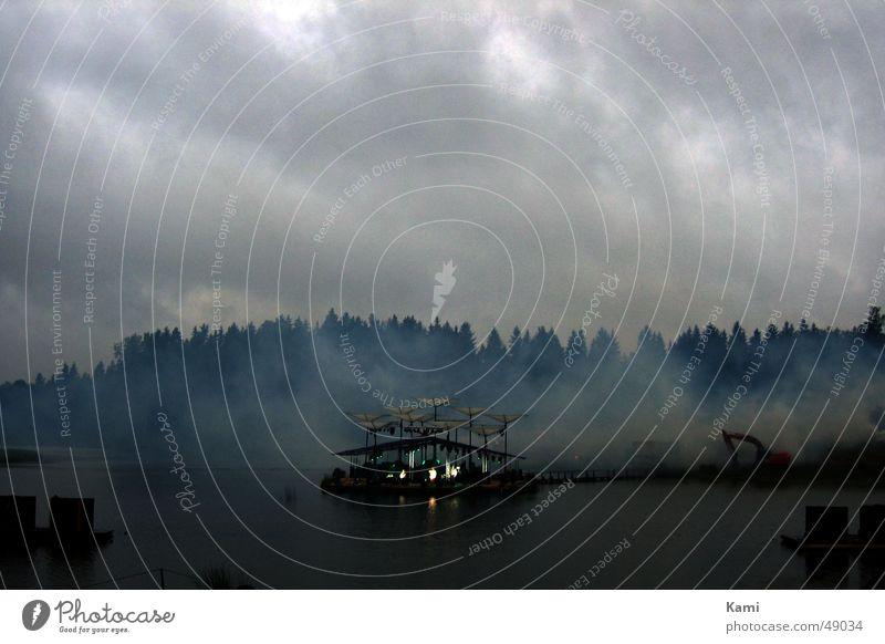 Leigo Lake Festival See Nebel Wolken Wald Bühne Konzert Licht Stimmung Abenddämmerung Bagger Musik Gefühle lake Musikfestival clouds forest stage concert light