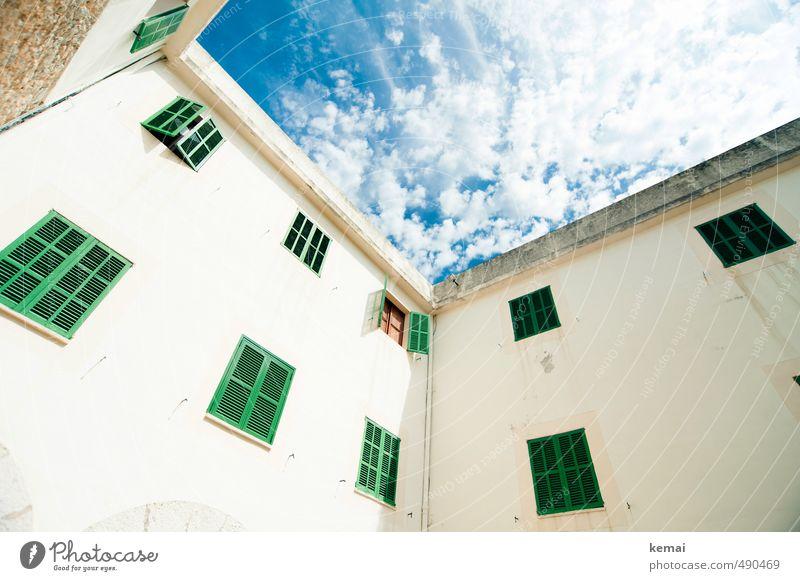 Open shutter, open sky Himmel Wolken Sonne Sonnenlicht Sommer Schönes Wetter Wärme Haus Mauer Wand Fassade Fenster Fensterladen hoch blau grün geschlossen offen
