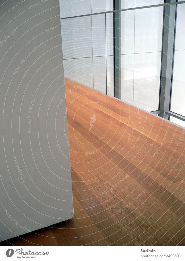 Holz und Glas Beton Parkett Fenster Innenarchitektur Detailaufnahme Bildausschnitt Anschnitt Holzfußboden Menschenleer Ecke Flur Architektur