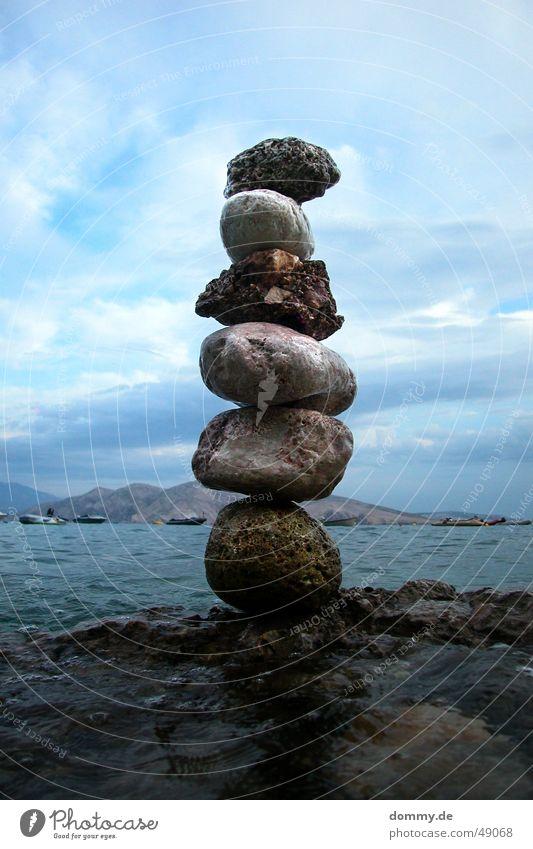 kunst?! Wasser Meer Stein Kunst hoch Insel rund Flüssigkeit Stapel eckig Kroatien wackelig Adria Baška