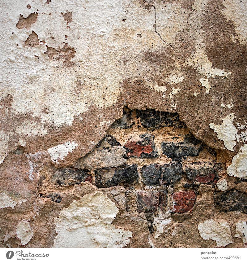 schichtarbeit Mauer Wand Zeichen dreckig dunkel einzigartig kaputt Vergänglichkeit Backstein Putz Niveau verfallen Altstadt Zerstörung verputzen Handwerk Maurer