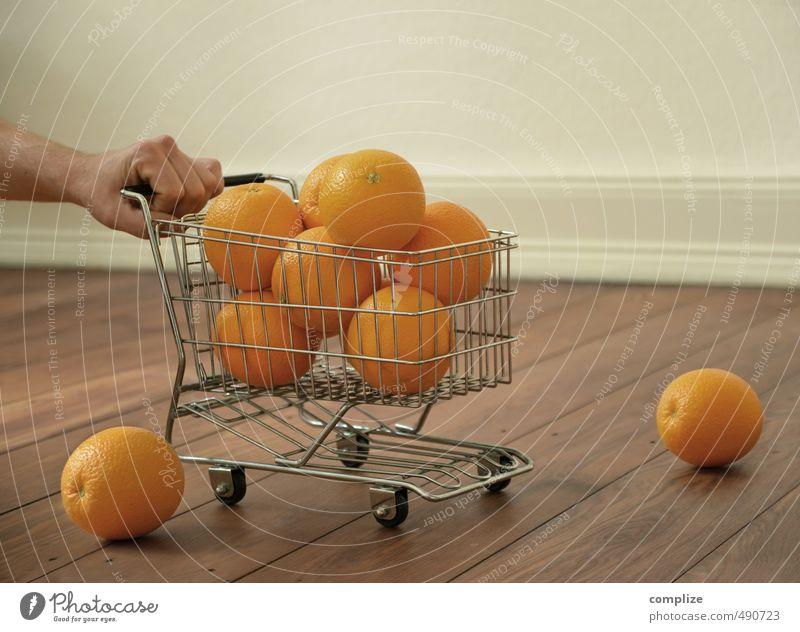 Sonderangebot Mensch Gesunde Ernährung Hand Leben Essen Gesundheit Gesundheitswesen Lebensmittel Frucht orange Orange Haut Finger kaufen Erkältung