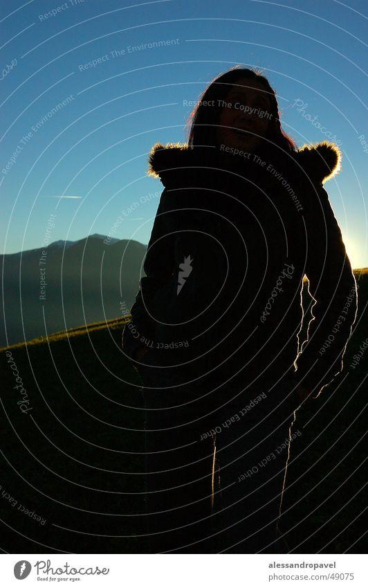 Lichtspiel Gegenlicht Herbst nikon d70 unterbelichtet - landschaft - sonnenuntergang berge - blauer himmel - ahornach