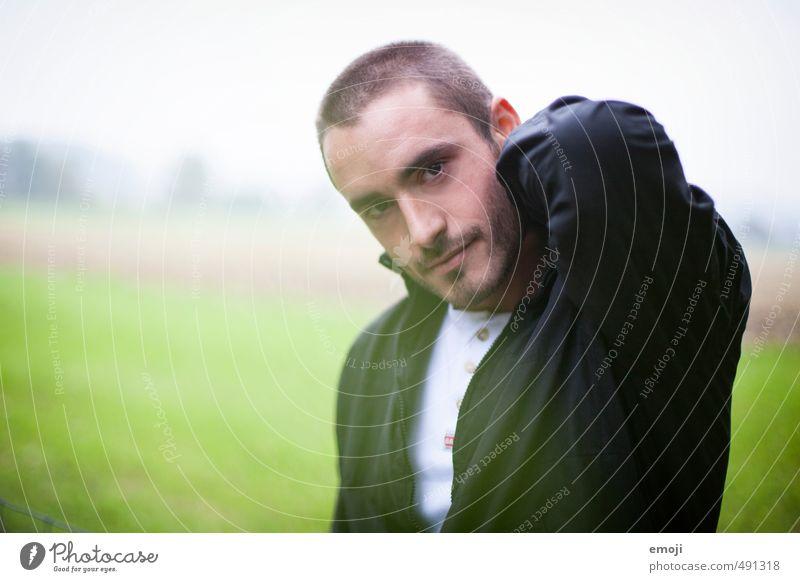 Morgendunst maskulin Junger Mann Jugendliche Gesicht 1 Mensch 18-30 Jahre Erwachsene brünett kurzhaarig Dreitagebart schön Farbfoto Außenaufnahme Tag