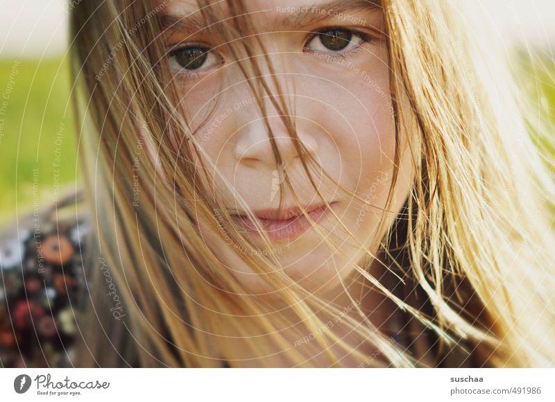 happy birthday süße Mädchen junges Mädchen Kind Kindheit Kopf Haare & Frisuren Gesicht Auge Nase Mund Lippen 8-13 Jahre Blick frech wild Haarsträhne langhaarig