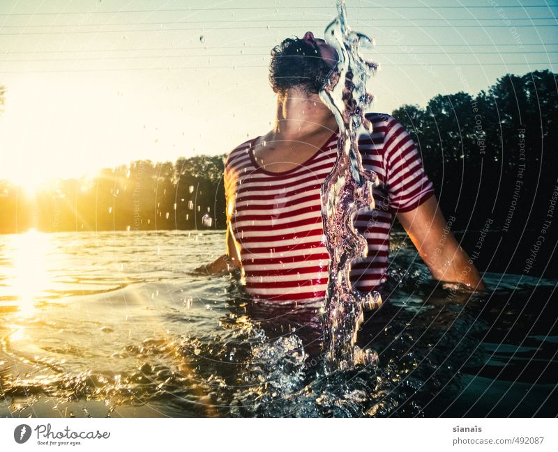 Moment Skulptur Ferien & Urlaub & Reisen Sommer Mensch maskulin Mann Erwachsene Brust Umwelt Natur Wasser schön Coolness Kraft Mut Erotik Körperhaltung Bart