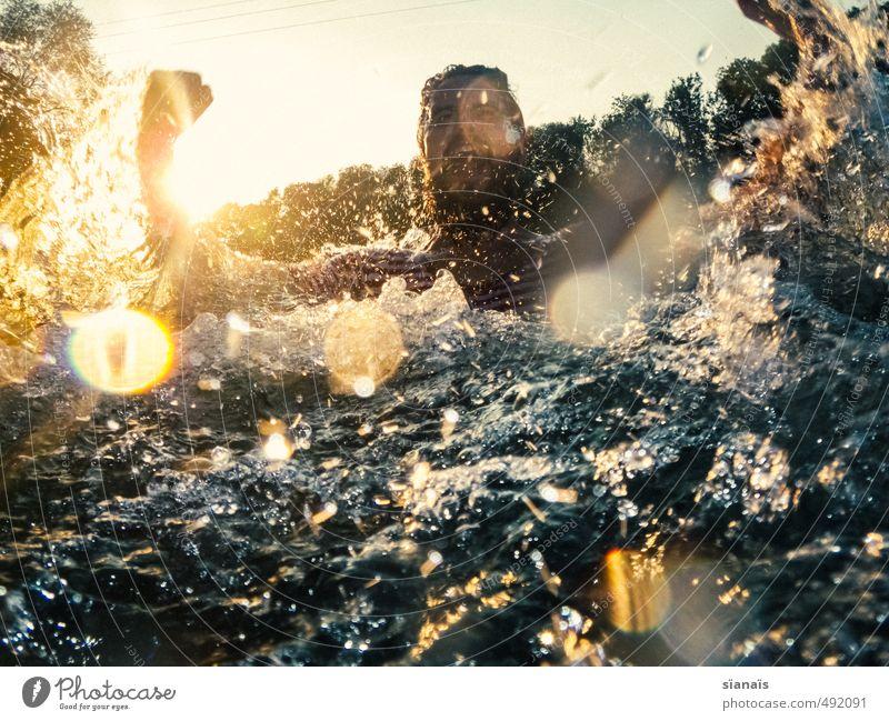 AARRRE Schwimmen & Baden Ferien & Urlaub & Reisen Sommer Mensch maskulin Mann Erwachsene Umwelt Natur Wasser Wellen Flussufer Aare schreien Aggression Freude