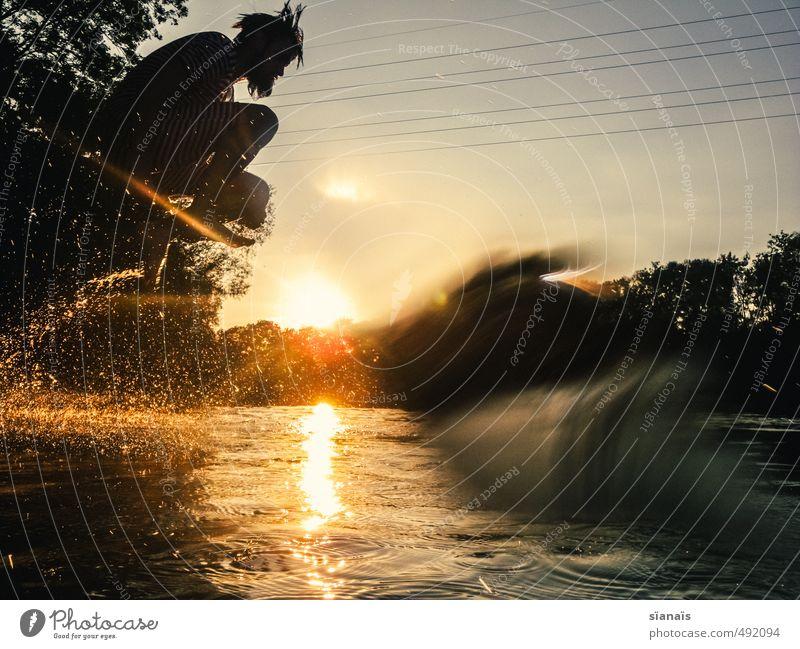 Wasserhüpfer Mensch Natur Ferien & Urlaub & Reisen Mann Wasser Sommer Sonne Freude Umwelt Erwachsene Leben Schwimmen & Baden Freiheit See springen maskulin