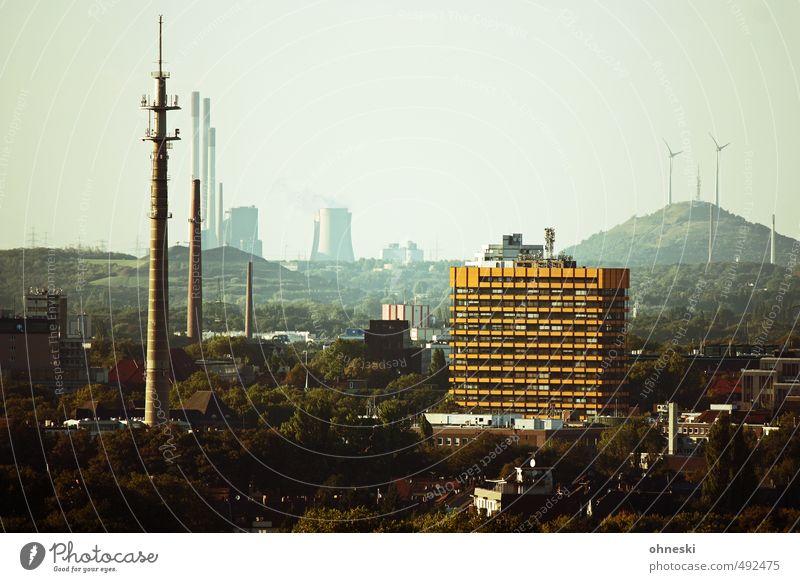 GE Energiewirtschaft Windkraftanlage Industrie Hügel Gelsenkirchen Ruhrgebiet Stadt Stadtzentrum Skyline Haus Hochhaus Turm trist Ferne Antenne Sendemast