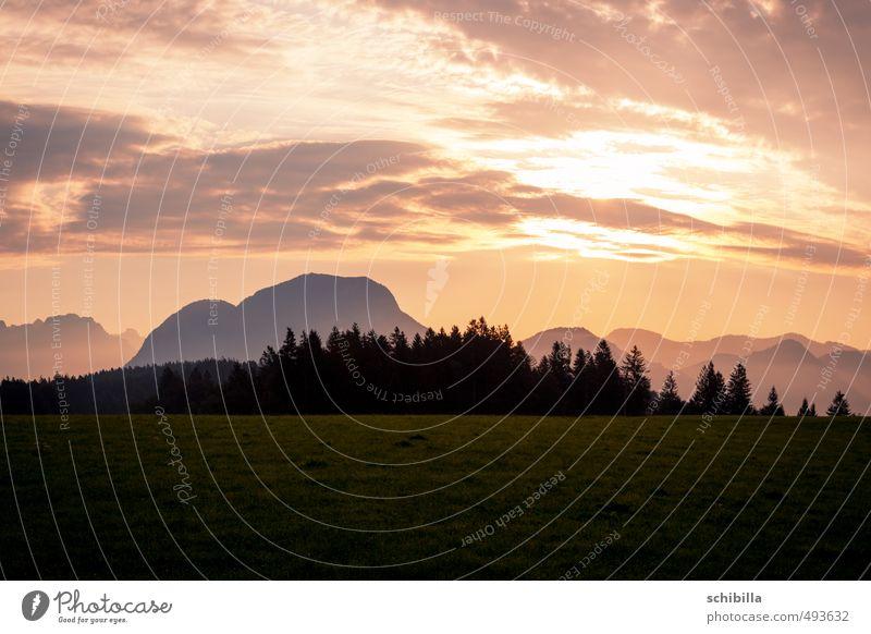 Sonnenaufgang in den Bergen Ferien & Urlaub & Reisen Sommer Berge u. Gebirge wandern Natur Landschaft Himmel Sonnenuntergang Sonnenlicht Schönes Wetter Blitze