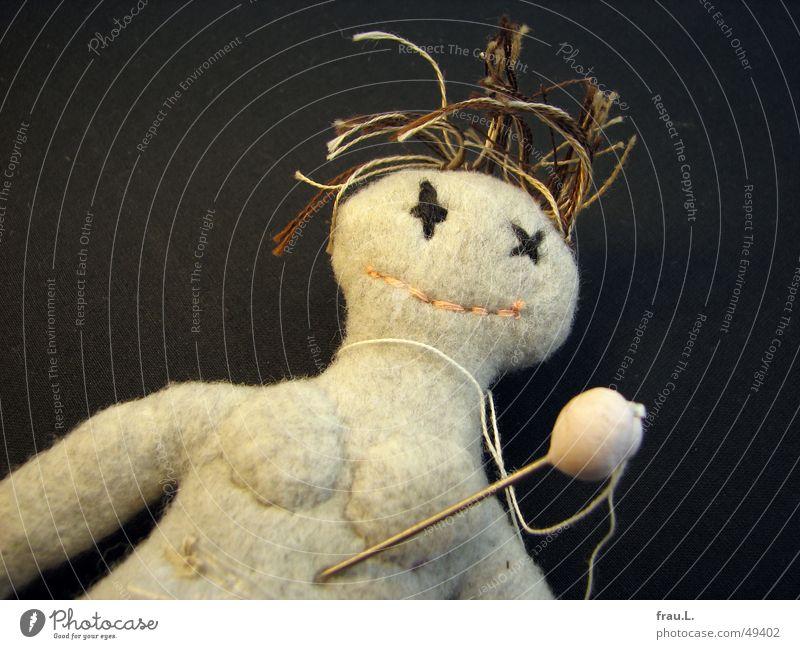 Puppenmord Frau feminin obskur Puppe Zauberei u. Magie Mord töten Filz fluchen Voodoo