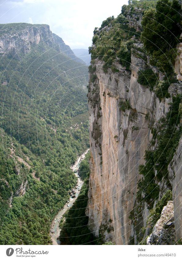 Verdun Canyon Wand Berge u. Gebirge Landschaft Felsen Fluss Boden Klettern Frankreich tief Bach Schlucht Rügen Berghang steil Sandstein Provence