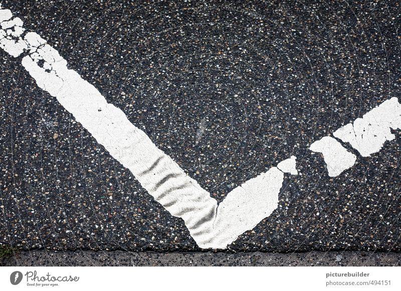 Abgehakt Handel Kapitalwirtschaft Stadt Straße Verkehrszeichen Verkehrsschild Zeichen Mut Haken Trend Ecke auf und ab Farbfoto Außenaufnahme Menschenleer