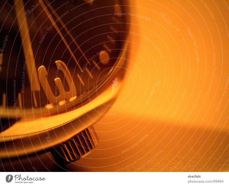 zeitverstreichseinheit (auf drei) Uhr Armbanduhr Hintergrundbild Stimmungsbild Physik Zeit zeitlos Makroaufnahme wallpaper Wärme warme atmosphäre