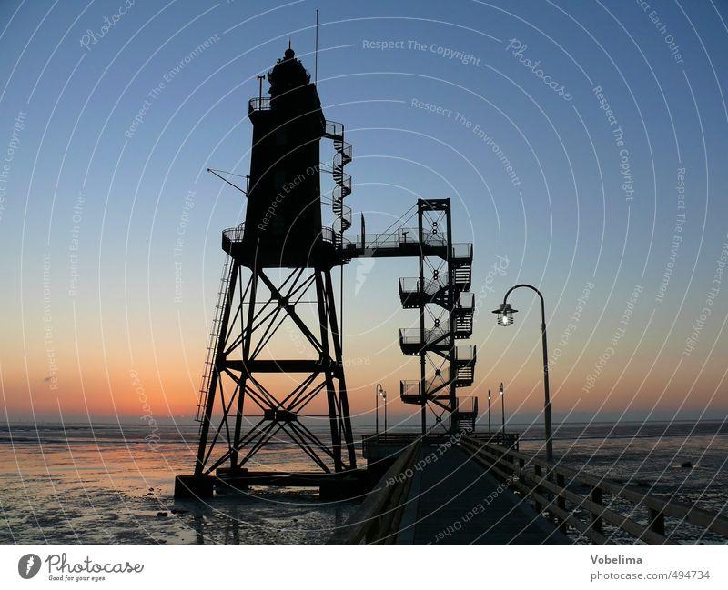Leuchtturm in Dorum Neufeld Meer Hafenstadt Bauwerk Gebäude Architektur Sehenswürdigkeit Wahrzeichen Schifffahrt Horizont Farbfoto Außenaufnahme