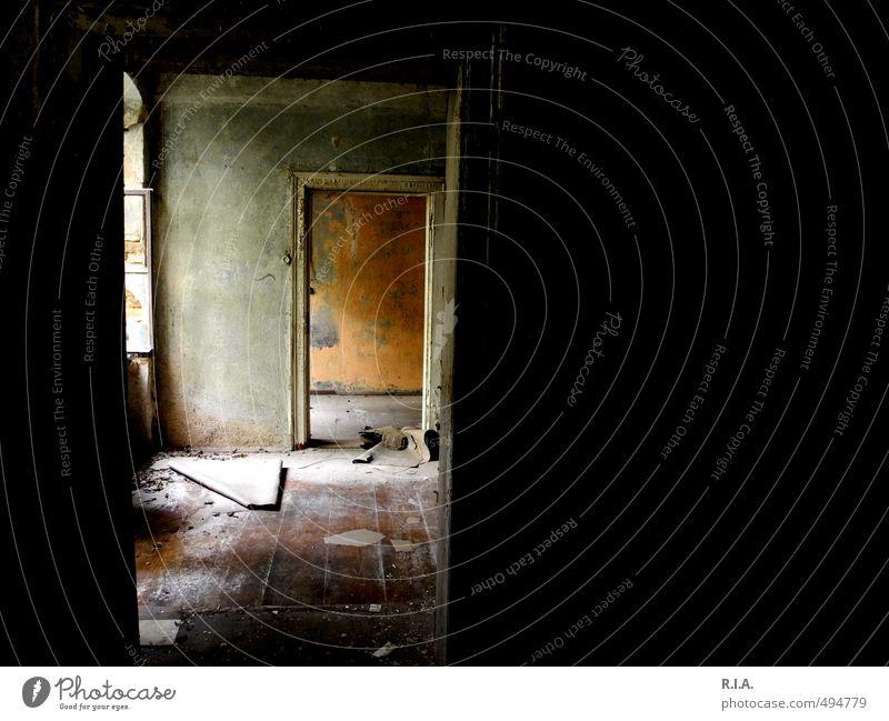 Tapetenwechsel Haus Bauwerk Gebäude altes verlassenes Haus Tür Einsamkeit Vergänglichkeit Unbewohnt staubig vergessen Farbfoto Innenaufnahme Makroaufnahme