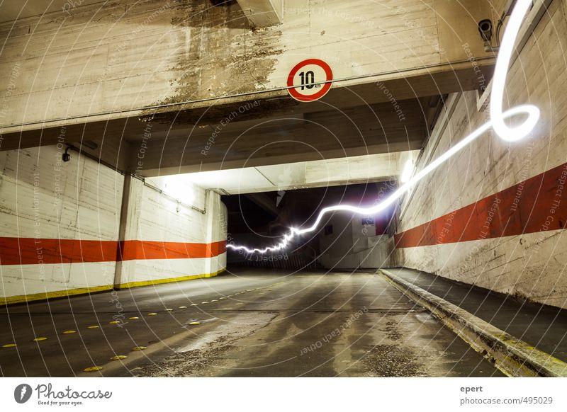 Park Light System Parkhaus Straße Tunnel Verkehrszeichen Lichterscheinung Strahlung Blitz Bewegung leuchten Geschwindigkeit Stadt Elektrizität parken Farbfoto