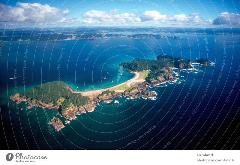 Bay of Islands Natur Meer grün blau Strand Wolken fliegen Luftverkehr Neuseeland Hubschrauber Nordinsel Paihia Waitangi
