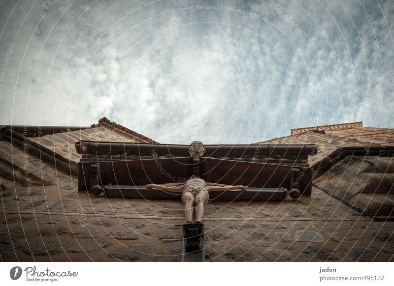 kreuz. Mensch Mann Erwachsene Tod Gebäude Holz Religion & Glaube Stein Fassade Körper Kirche Schmerz Kreuz Sehenswürdigkeit Dom
