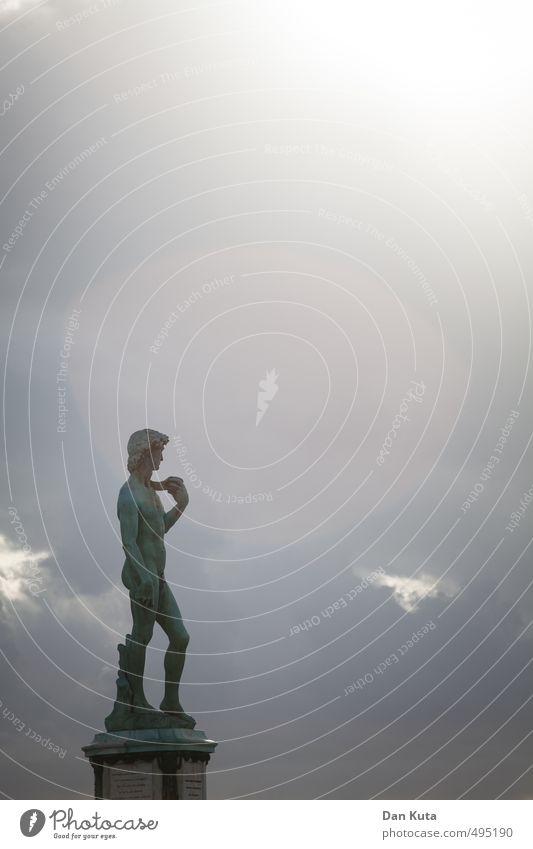 FKK Italia Mensch Wolken Ferne Kunst Zukunft bedrohlich Ewigkeit historisch Statue Skulptur verwittert Florenz David
