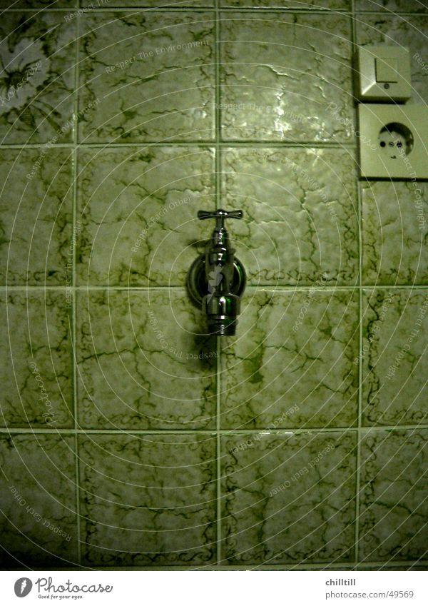 Wasserhahn grün Bad Wäsche