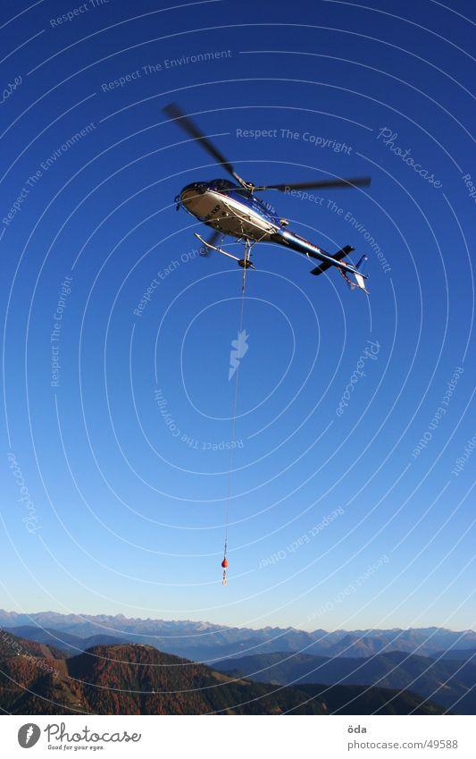 heli alpin Hubschrauber Gewicht Horizont fliegen Luftverkehr Rotor Seil Güterverkehr & Logistik Himmel Berge u. Gebirge