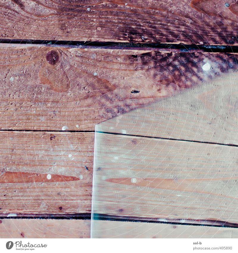 alt Innenarchitektur Holz Linie Häusliches Leben Glas Ecke Bodenbelag einzigartig Spiegel eckig seltsam Renovieren rau Spiegelbild gebeugt