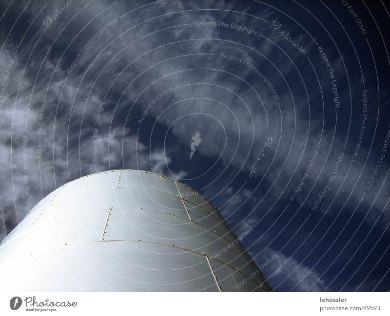 energiespeicher Himmel Wolken Metall Horizont Energiewirtschaft Aluminium Dachboden Naht Niete defäkieren genietet